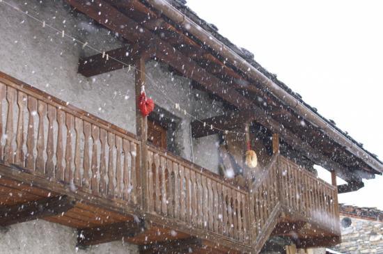 balcon du gîte et premières neiges