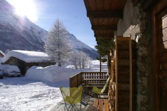 la terrasse , au soleil de janvier